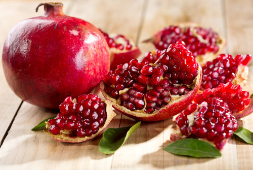 "Pomegranate Big Red Variety Pomegrante Big Red Variety in a 3 Gallon Container. The pomegranate is known as ""the hardest working fruit"" in the world. The juice contains the highest concentration of naturally occurring antioxidants of any fruit. They are typically baseball to softball size, and are filled with transparent sacs that contain a seed and a flavorful pulp. They can be eaten out of hand or juiced for a drink. Great value since pomegrantes typically cost $3-$4 each and are one of the most medically beneficial fruit. They contain one of the highest concentrations of anti-oxidants to prevent aging related problems and keep you young. Wonderful is a popular large variety often found in grocery stores around Thanksgiving."
